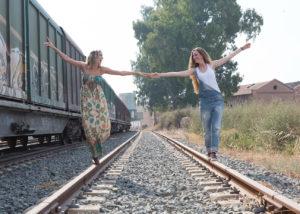 03-fotografia-book-reportaje-chicas-via-tren