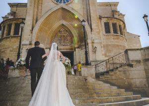05-novia-escalera-reportaje-fotografia-catedral-albacete