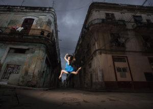 08-book-calle-salto-chica-lahabana-cuba