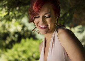 10-retrato-novia-ramo-peliroja-sonrisa