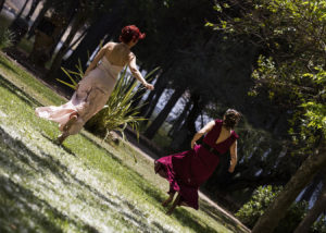 11-novias-boda-reportaje-correr-campo