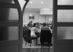 14-novia-invitados-cena-boda