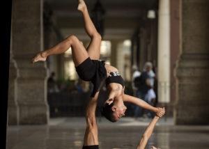 21-bailarines-suelo-habana-vieja-cuba