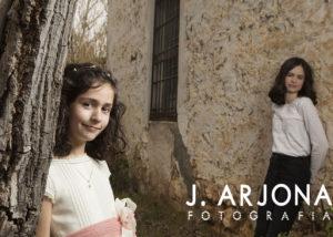 comunion-hermanas-retrato-atardecer-pared-albacete